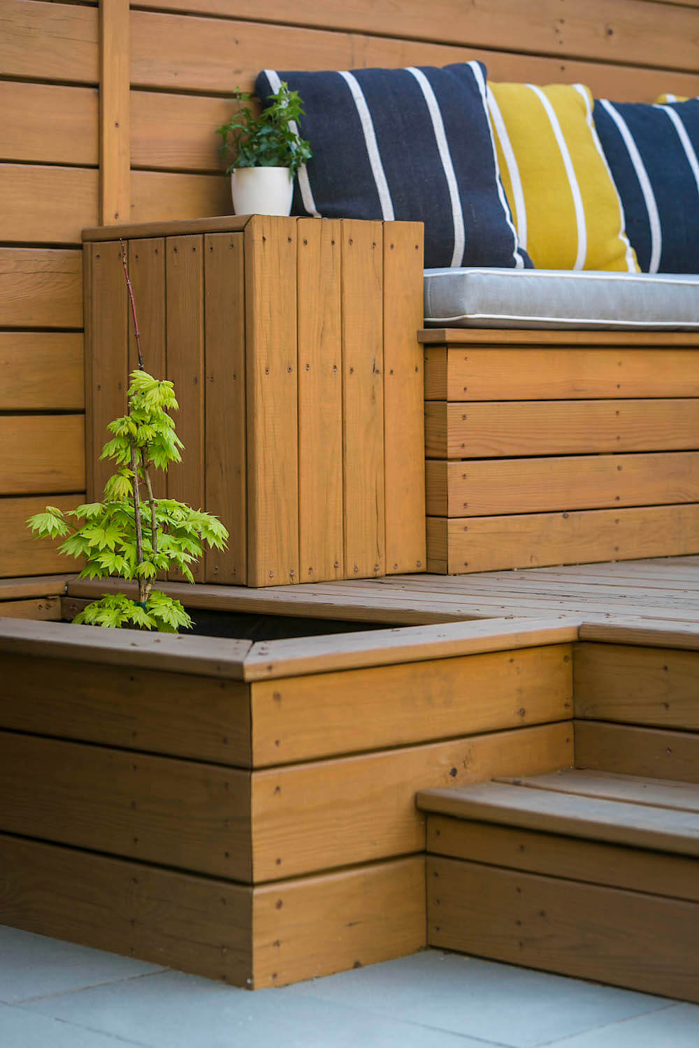 Image of an outdoor planter and bench seat